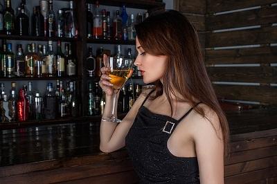 alkohol macht attraktiv laut lovescout24.ch